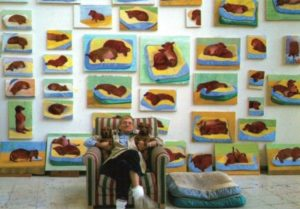 Hockney met zijn hondenportretten